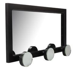 Une patère qui inspire l'élégance, avec une double fonction patère et miroir. Structure : panneaux de fibres de moyenne densité + miroir. Dispo pcs détachées donnée fournisseur : NC. Finition : Coloris noir. Dimensions en cm : L. 44 - l. 6 - H. 24 cm.