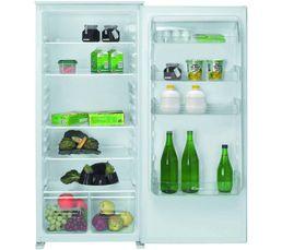 Réfrigérateur intégrable tout utile de classe A+. Froid statique : répartit naturellement la fraicheur en fonction de l'espace pour une meilleure conservation des aliments. Volume utile total (l): 215 Froid : statique Dégivrage : automatique Porte reversi