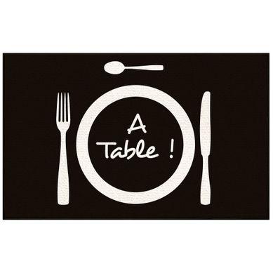 A TABLE  Noir